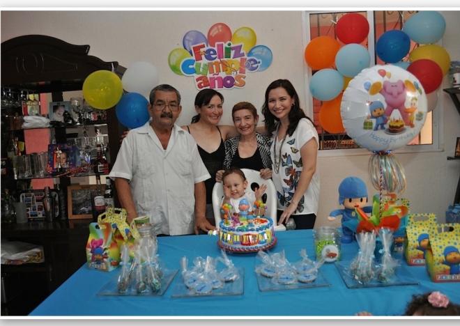 Familia junta por Copito