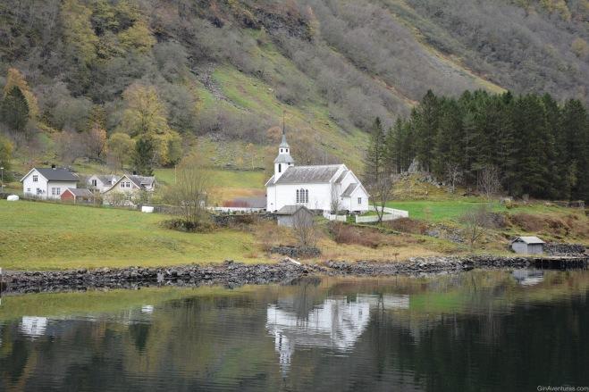 Una iglesia tipica noruega