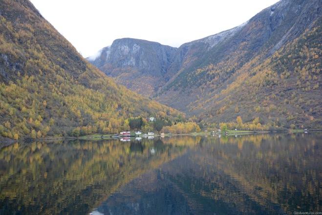 Paisajes sublimes en el Nærøyfjord
