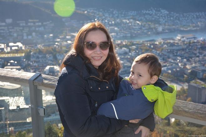Copito y su madre disfrutando del paisaje