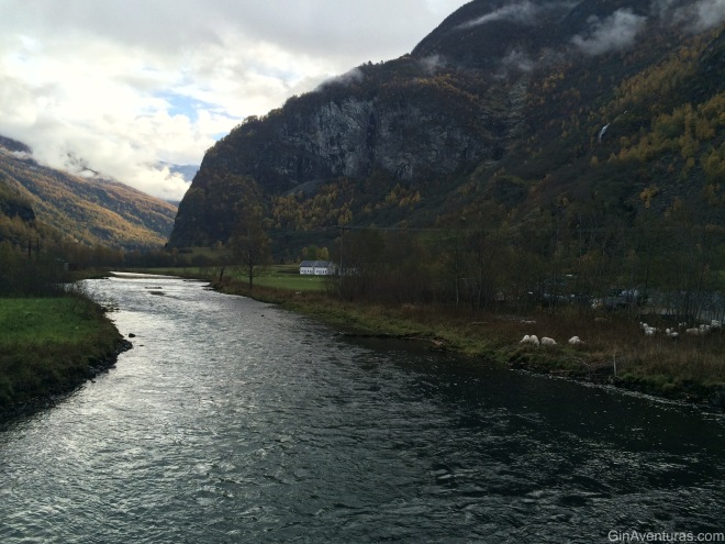 Siguiendo el río