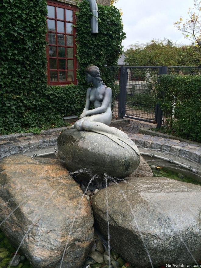 Una réplica de La Sirenita