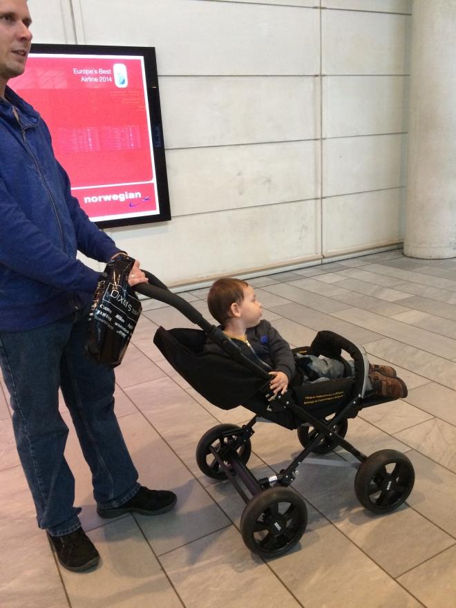Carreolas prestadas en el Aeropuerto de Copenhague