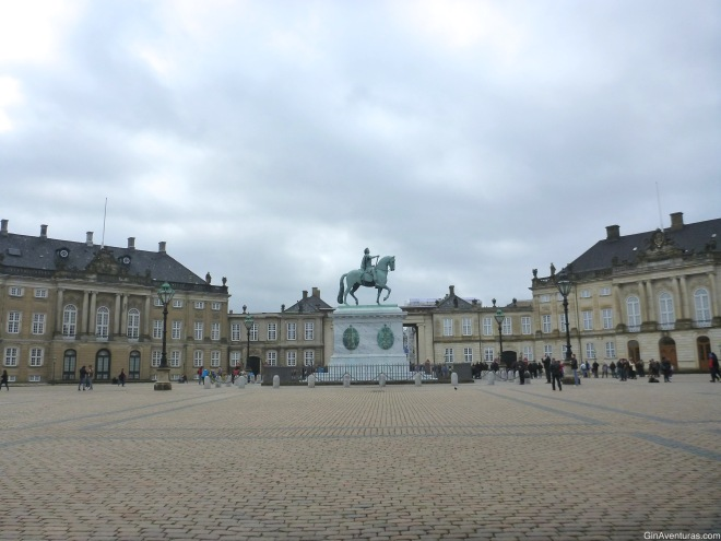 Estatua equestre en Amalienborg