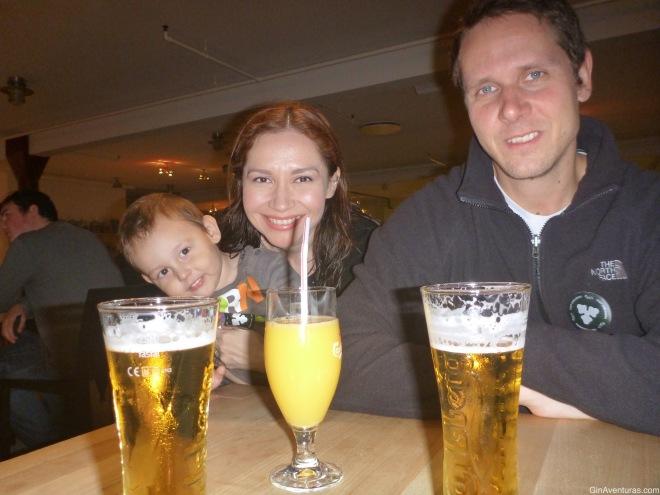 Los cerveceros son ellos. Yo tomo un sano jugo de naranja!