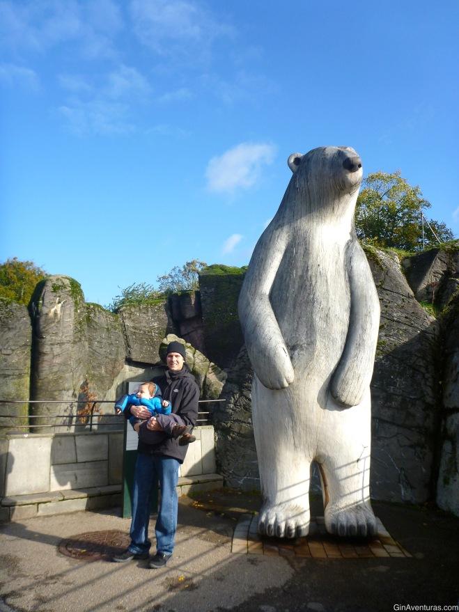 """""""¡Este oso está mas alto que tú, papa! Debes comer más"""""""