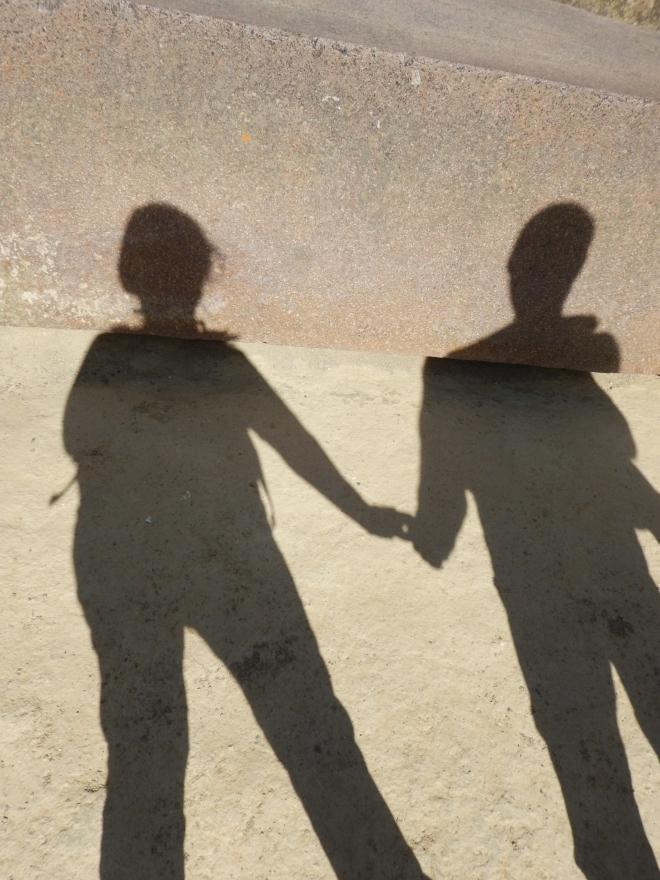 Dos sombras... ¿de quiénes será?