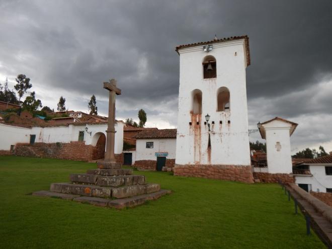 Iglesia en Chinchero, una pequeña capilla sixtina peruana