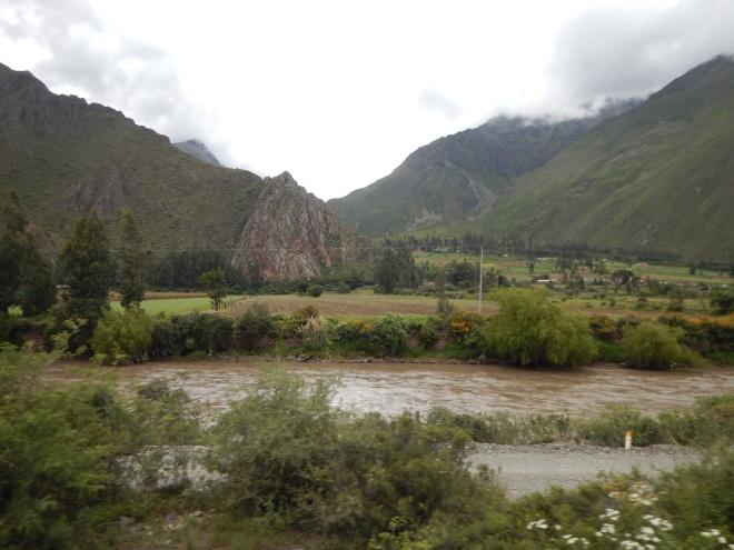 Paisaje desde el tren a Machu Picchu