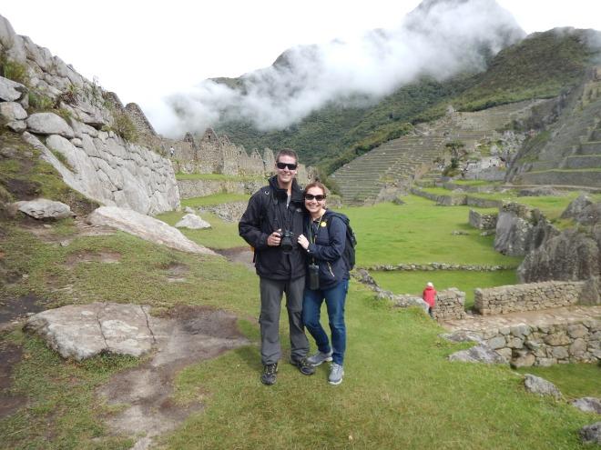 Las terrazas de Machu Picchu en el fondo