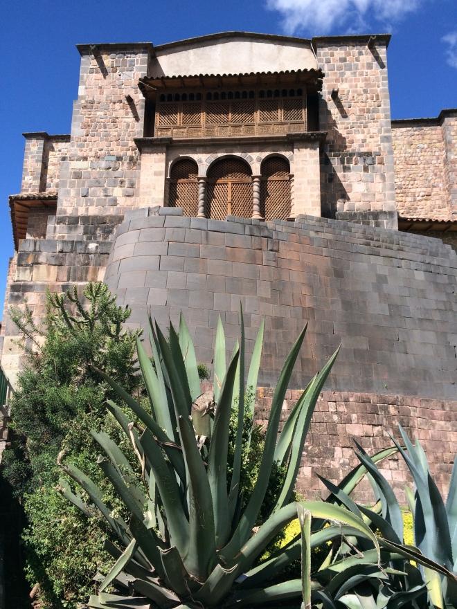 Templo de Santo Domingo en la cima del templo del sol