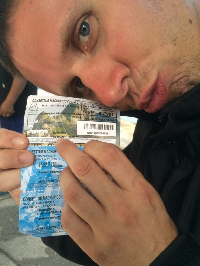 Mr. Viking quejándose de los 26 USD del autobús a la ciudadela de Machu Picchu