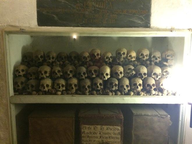 Osario debajo de la catedral de Lima