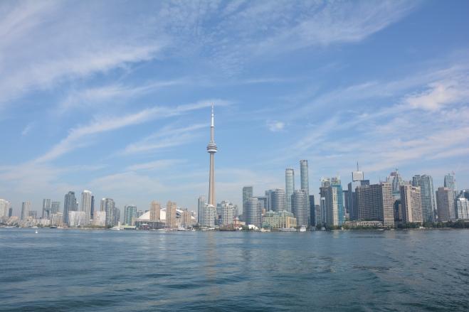 Skyline de Toronto desde el ferry a las Islas de Toronto