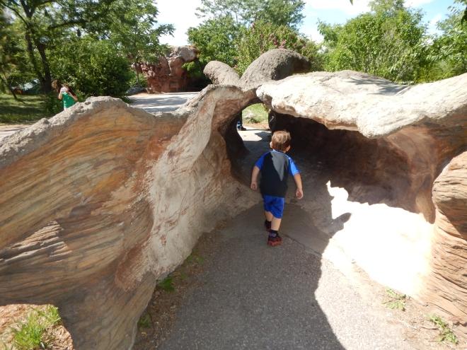 Jugando en los túneles