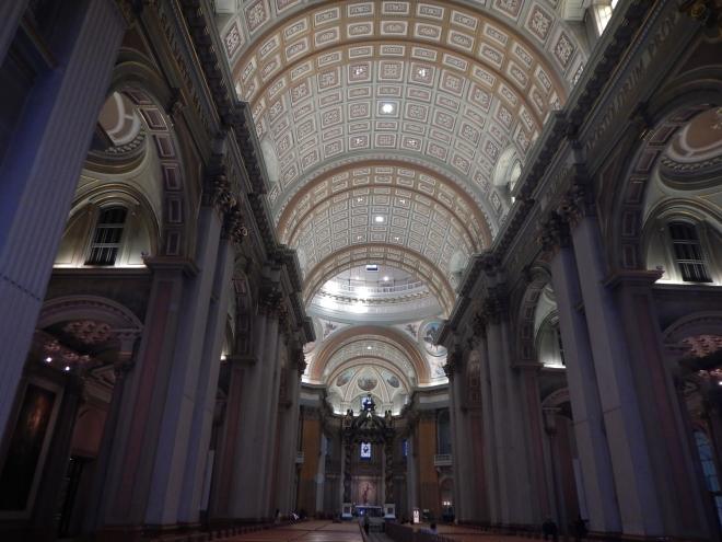 Interiores de la Catedral Maria Reina del Mundo
