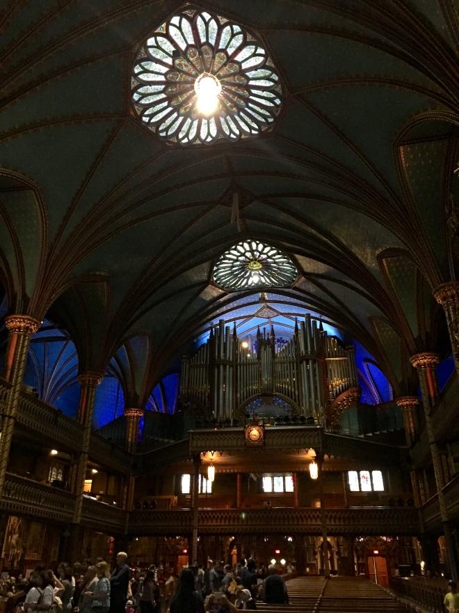Interiores de Notre-Dame de Montreal