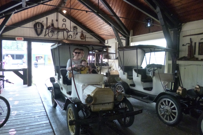 Antique cars en Centreville Amusement Park