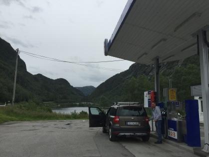 Cargando gasolina al estilo noruego