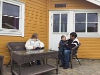 Farfar enseñando noruego a Copito